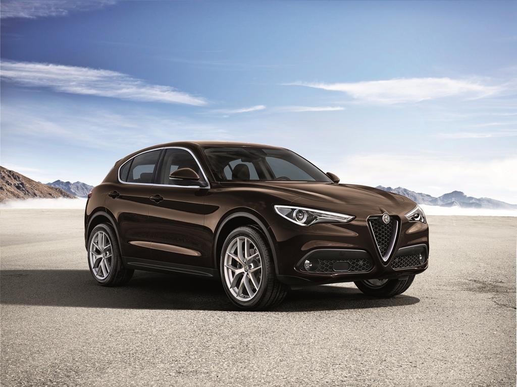 Nowe wersje silnikowe w gamie Alfy Romeo Stelvio