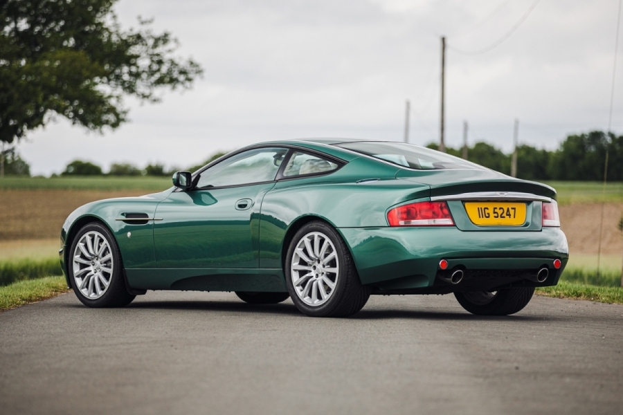 Aston Martin Vanquish (2002)