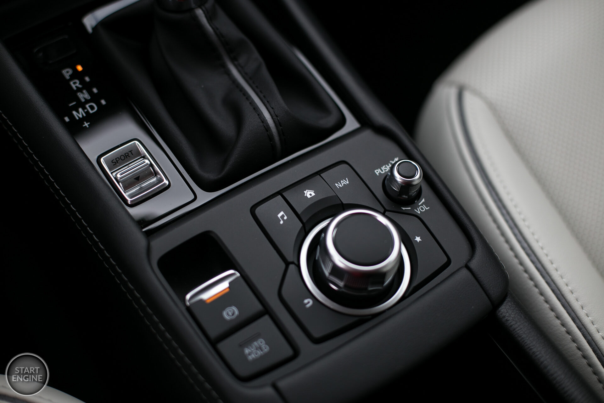 Mazda CX-3 SkyDREAM 2.0 SKYACTIV-G 121 KM 6AT